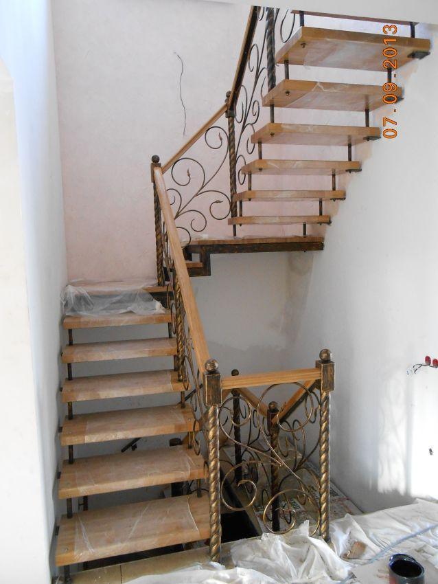 Лестницы и перила частные объявления саратов работа воронеж кладовщик свежие вакансии